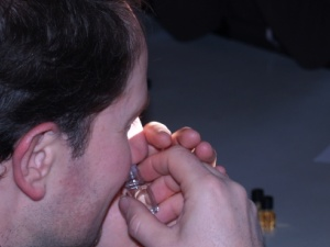 Identifiying aromas in wine tasting