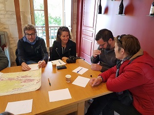 Workshop to identify the aromas found in Loire Valley wines