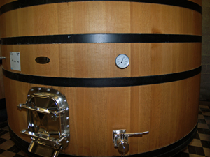 Wine making experience gift in Chablis. Visit the oak casks in the fermentation hall.