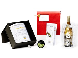 An original Christmas gift for organic wine fans