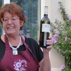 Jacqueline, our wine guide in the Rhone Valley