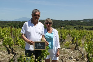 Vine adoption gift box France Rhone Valley