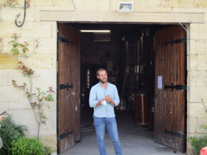 Top wine lover gift. Learn how to blend wines in an organic winery in Saint-Emilion